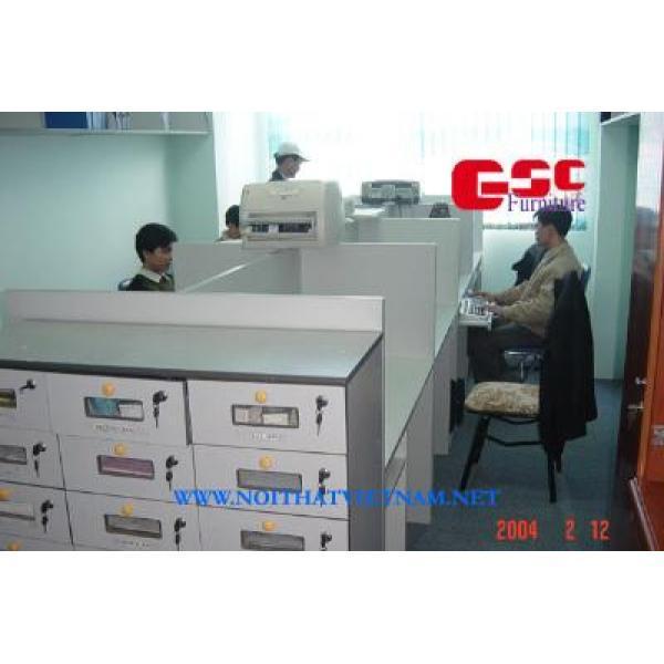 Vách ngăn gỗ văn phòng VNG04